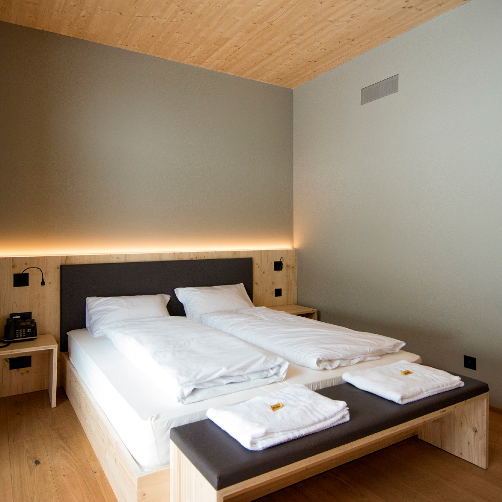 classic double room campra alpine lodge & Spa