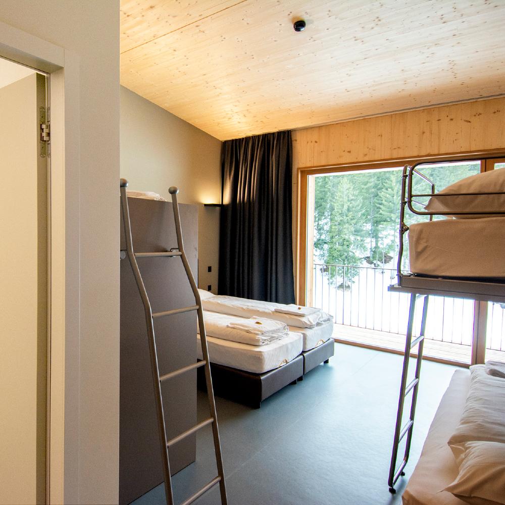 camera famiglia campra alpine lodge & Spa