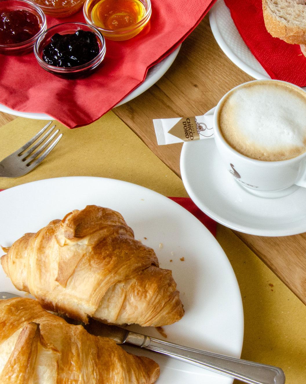 pausa caffé e colazione al Campra Lodge